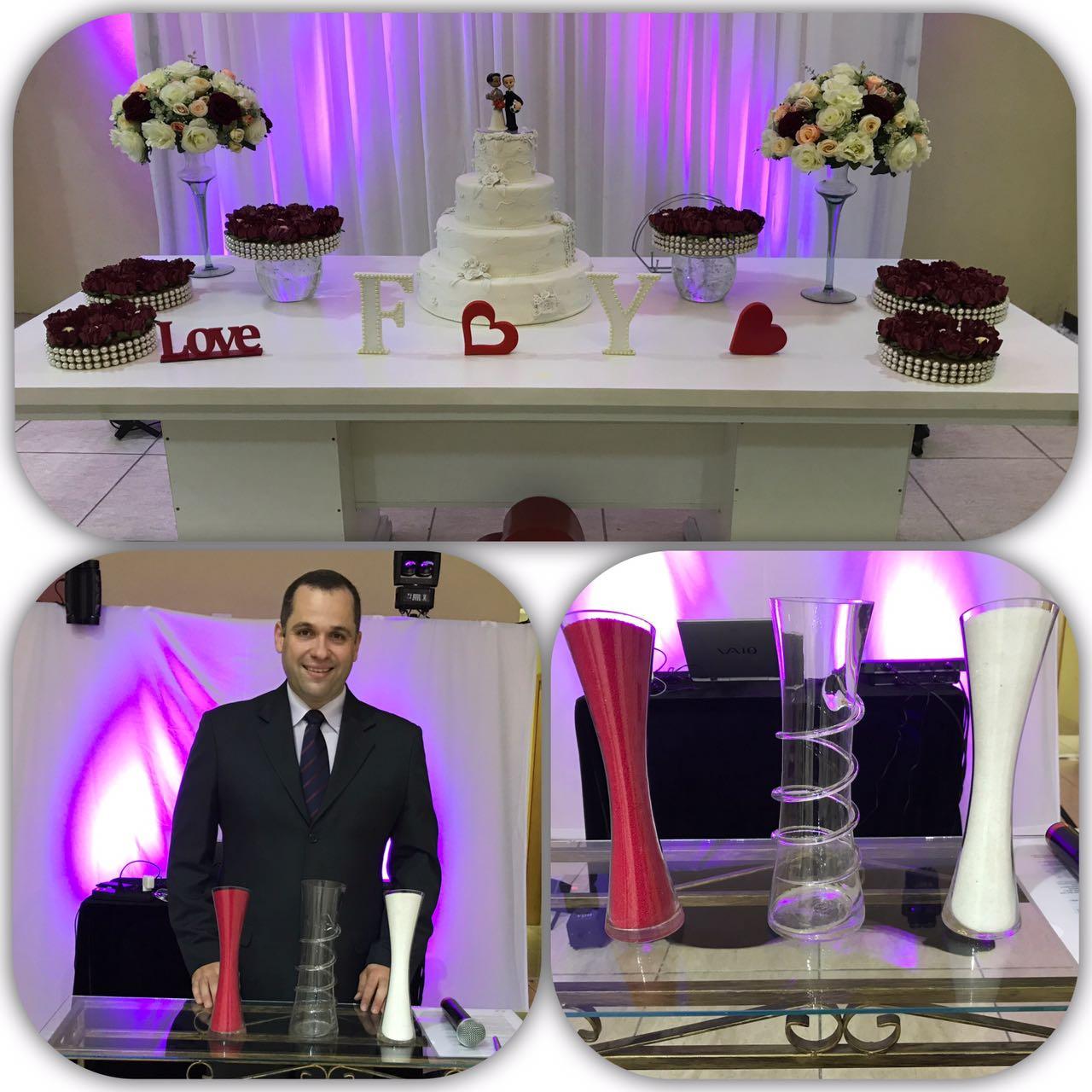 Foto do Rafael Spinelli e da mesa decorada junto ao bolo